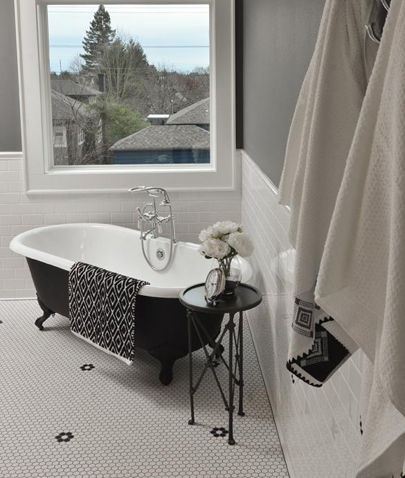 Laurelhurst-Bath-Thumbnail