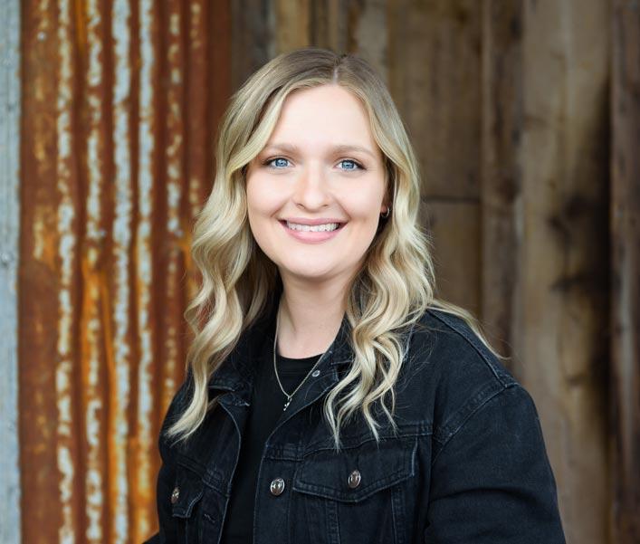 Maddie Steffen Headshot